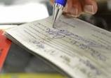 Cheques e cartões de créditos.